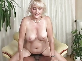 Mature 24 blowjob cumshot mature video