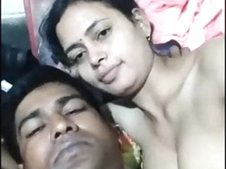 Desi Bhabhi Enjoying with here husband fingering mature indian video
