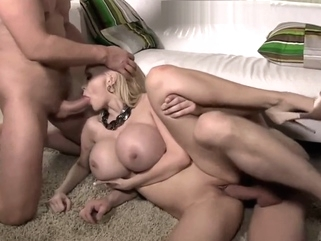 sandwich a la chichona big tits blonde milf video